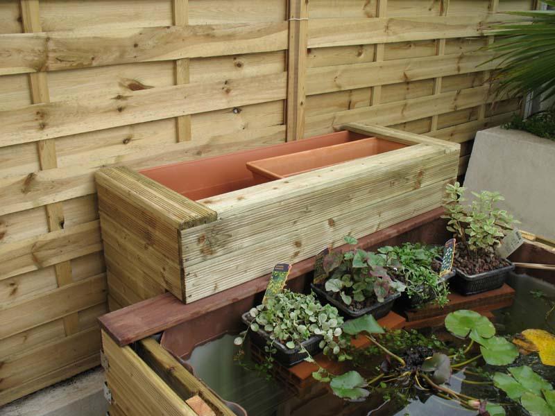Le petit bassin hors-sol de Patrice_b. Jardiniere_ar_en_place