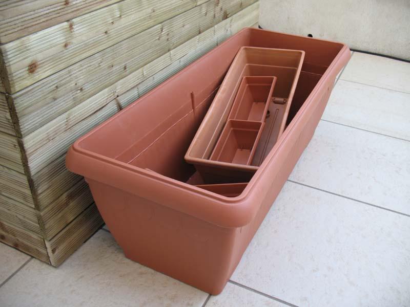 Le petit bassin hors-sol de Patrice_b. Jardiniere_plastique